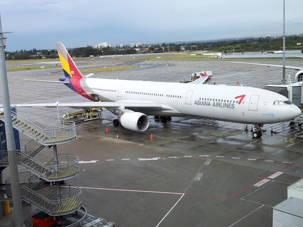 Asiana Airlines Airbus A330 in Sydney, Australia (SYD)