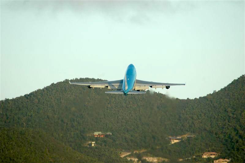 KLM Boeing 747-400 - Taking Off SXM