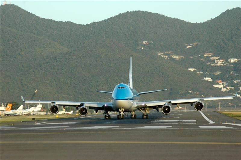 KLM Boeing 747-400 Taxiing Out SXM