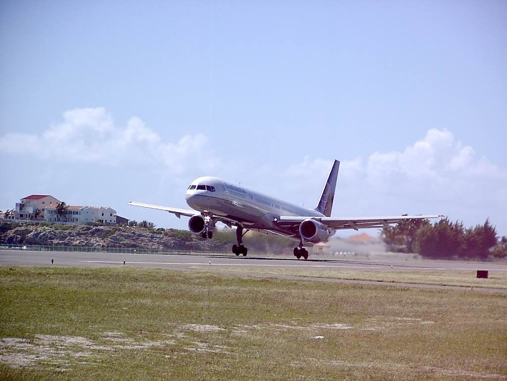Continental Airlines Boeing 757-300 Taking Off from SXM