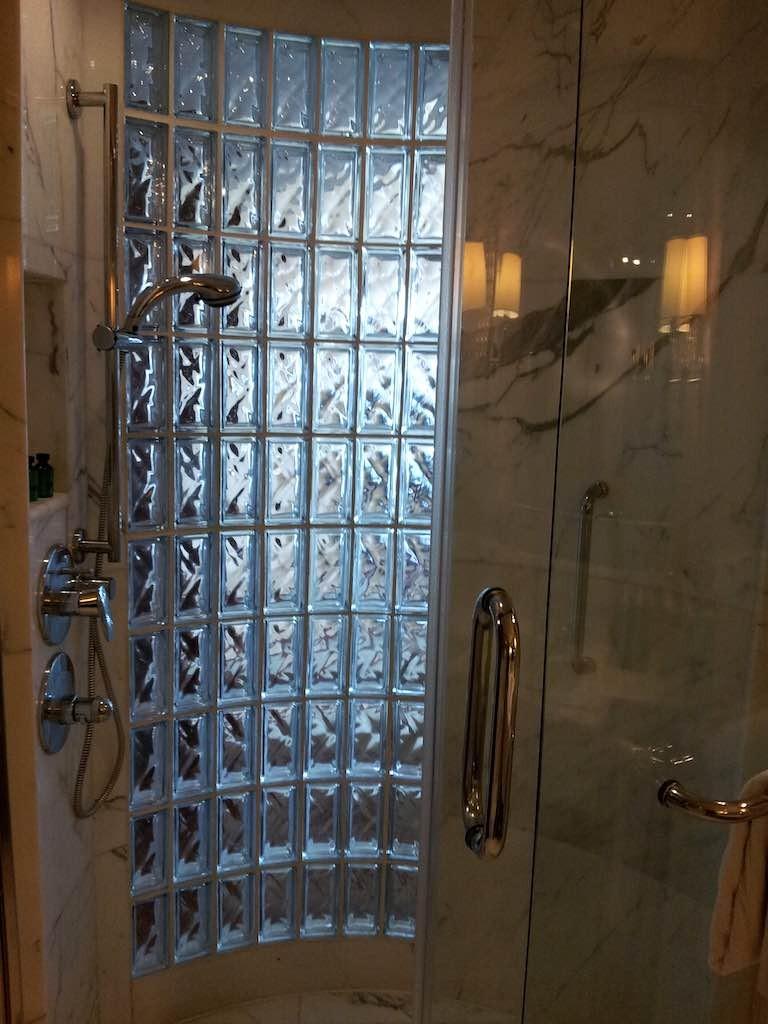 Shangri-La Bangkok - Bathroom Shower