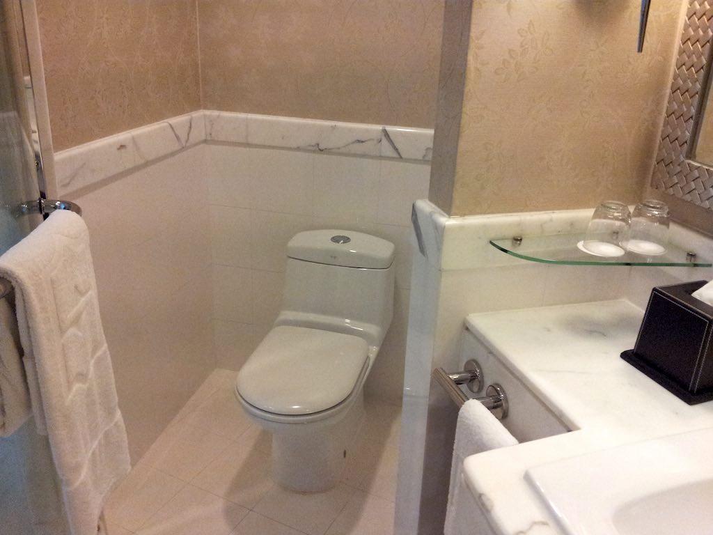 Shangri-La Bangkok Bathroom Toilet