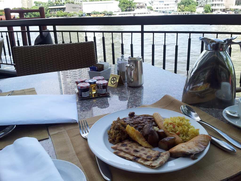 Shangri-La Hotel Bangkok Breakfast Next2Cafe