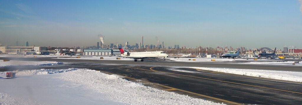 Delta CRJ Taking off from LaGuardia, NY (LGA)