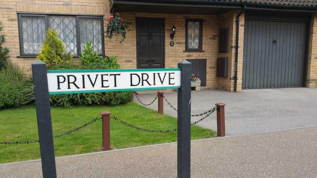 Warner Bros. Studio Tour London - The Making of Harry Potter - 4 Privet Drive
