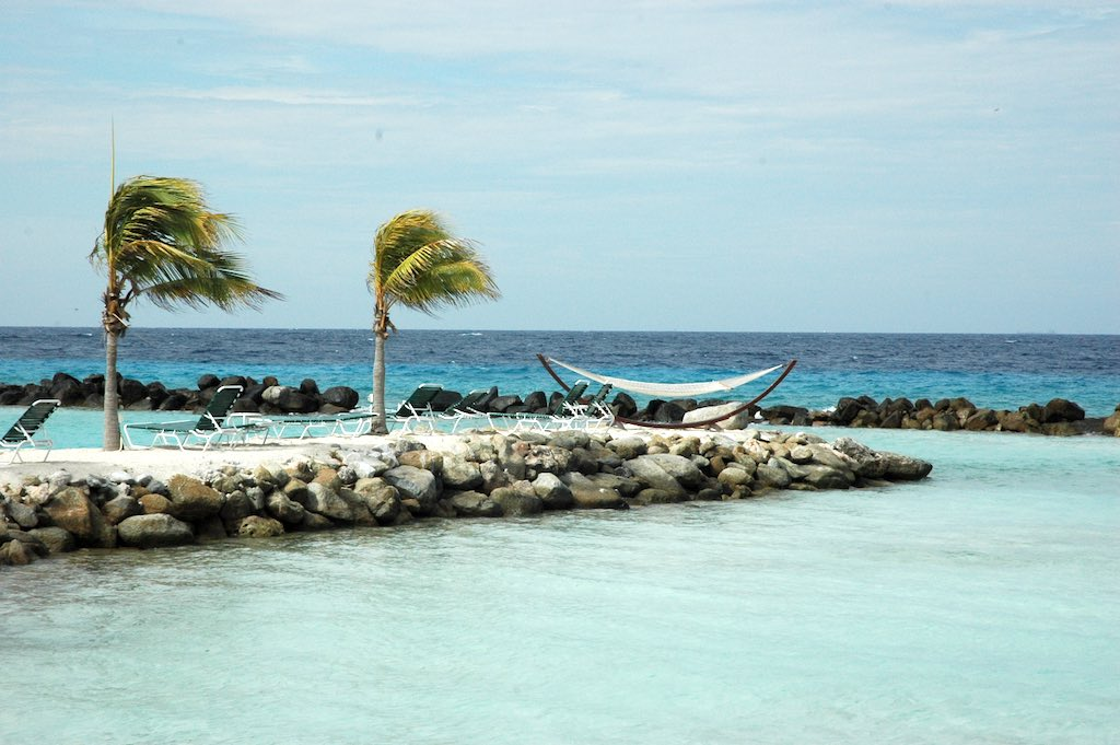 17 Smallest Countries - Aruba - Renaissance Island