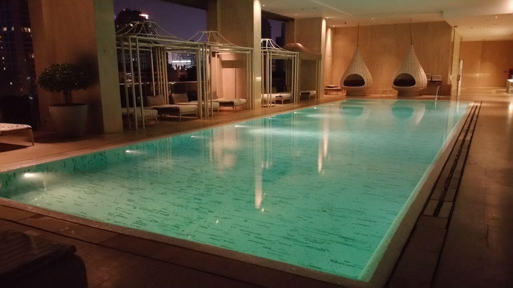 Oriental Residence Bangkok Swimming pool night