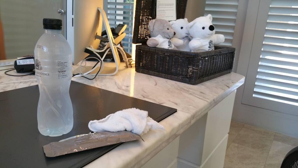 Oriental Residence Bangkok water cold towel