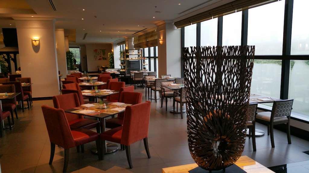PUBLIC Restaurant Avani ATRIUM Bangkok