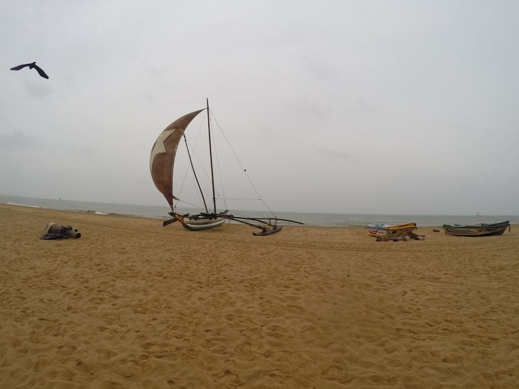 Jetwing Blue Negombo, Sri Lanka - Boats on the beach
