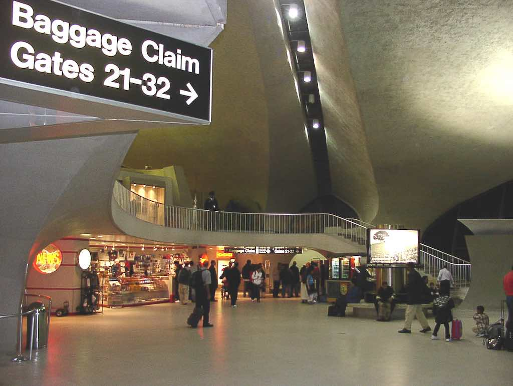 Nostalgia: TWA Terminal New York-JFK (JFK) - Baggage Claim circa April 2001