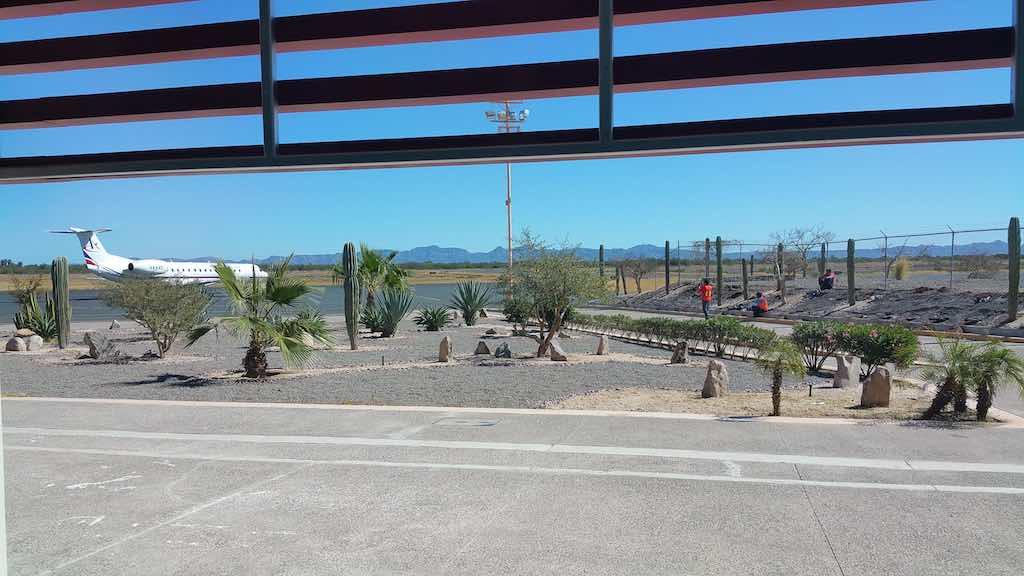 Villa del Palmar Loreto, Mexico - Aereocalafia ERJ-145 in LTO Mexico
