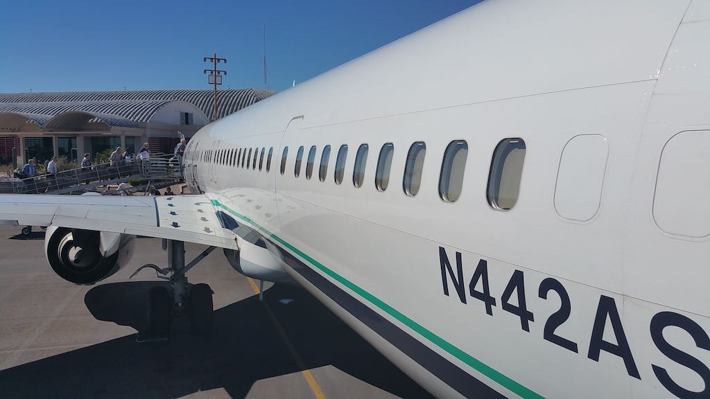 Villa del Palmar Loreto, Mexico - Alaska Airlines Boeing 737-900ER in LTO Mexico
