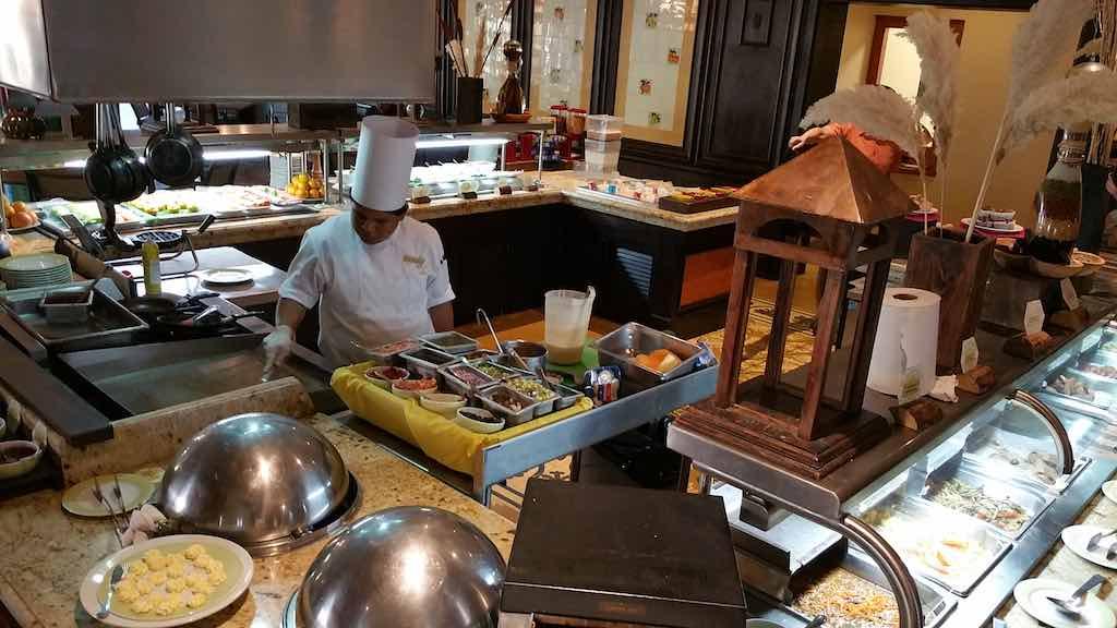 Villa del Palmar Loreto, Mexico Chef Making Dinner