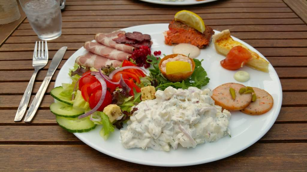 Lunch at Gardsbutik with local Swedish foods