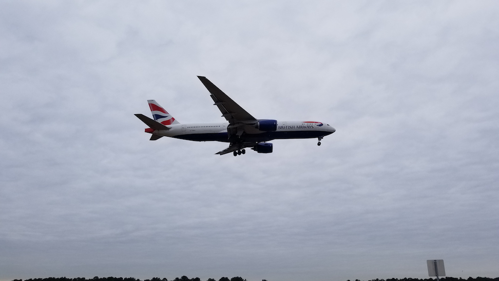 British Airways (BA) Boeing 777-200 Landing at IAH on 20180118 at 14:00:18
