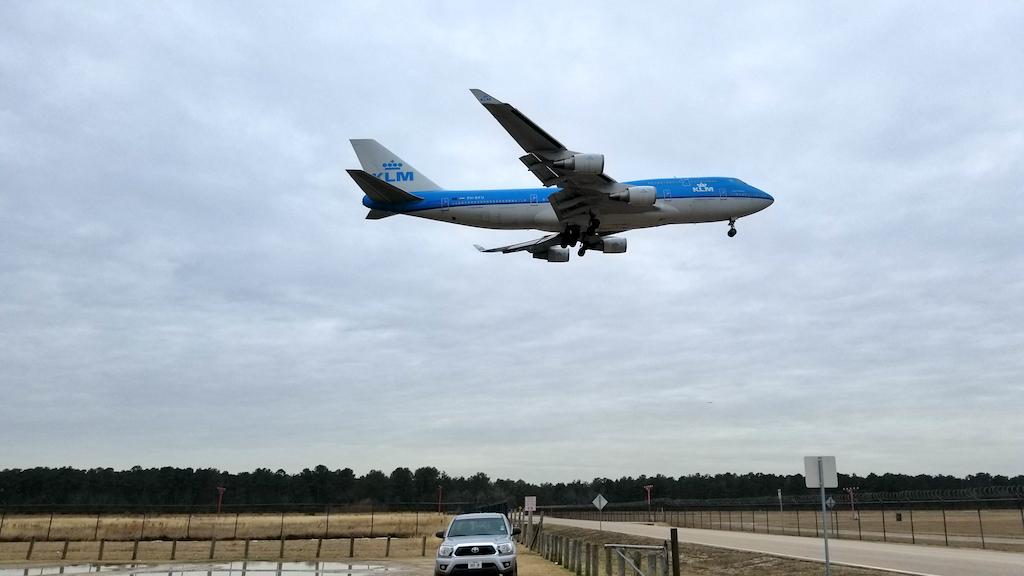 KLM Boeing 747-400 Combi Landing at IAH on 20180118 at 14:50:53