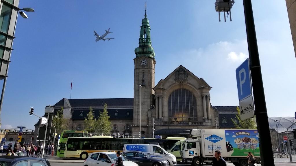 Cargolux Boeing 747 landing in Luxembourg
