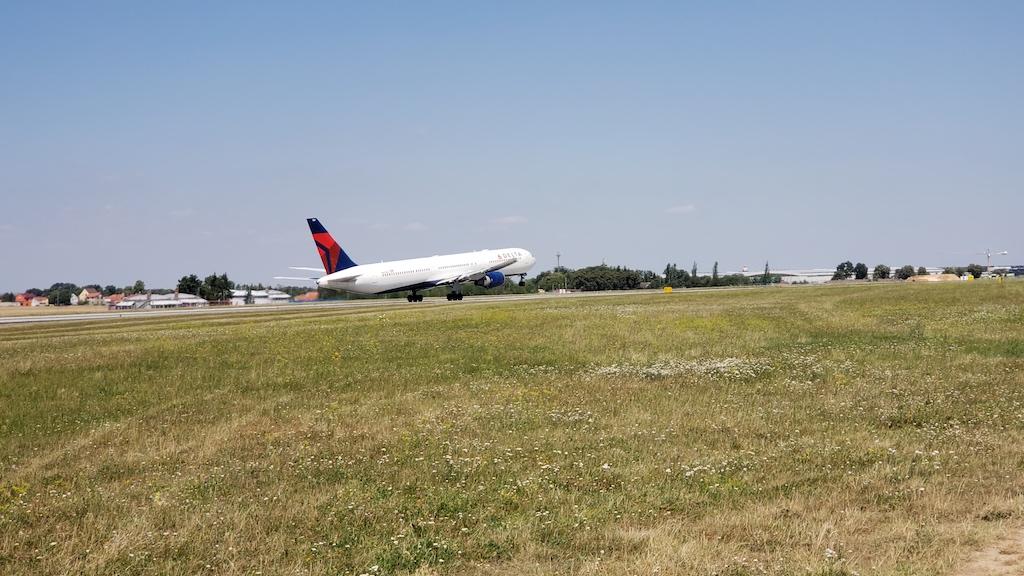 Prague, Czech Republic Prague Airport (PRG) Delta Air Lines Boeing 767-400
