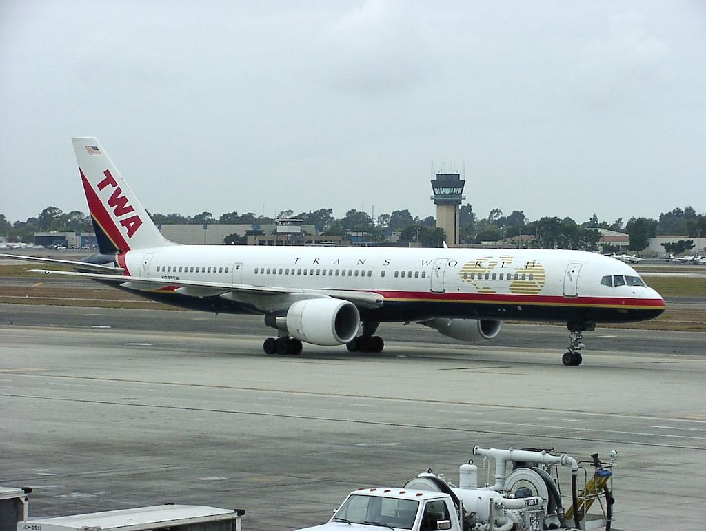 TWA Boeing 757-200 taxiing in John Wayne Airport (SNA)