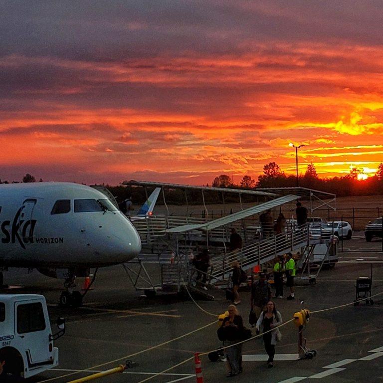 Paine Field [Snohomish County Airport] (PAE), Everett, WA Sunset with Alaska Airlines Horizon