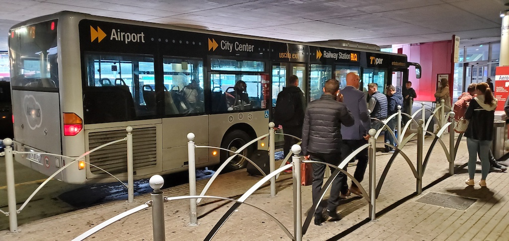 Bologna Airport Bus to City and Railway