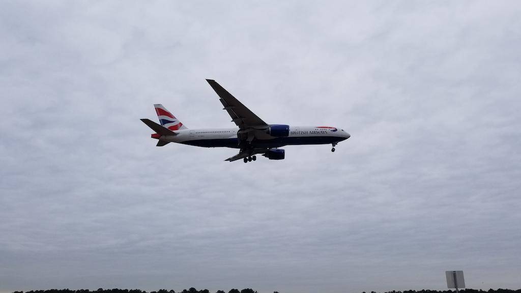 British Airways (BA) Boeing 777-200 Landing at IAH on 20180118 at 14:00:18