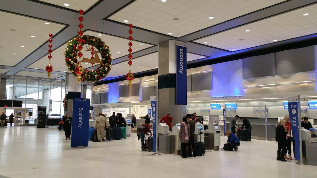 Christmas Tree - Houston-Intercontinental United Airlines Economy Check-in (IAH)