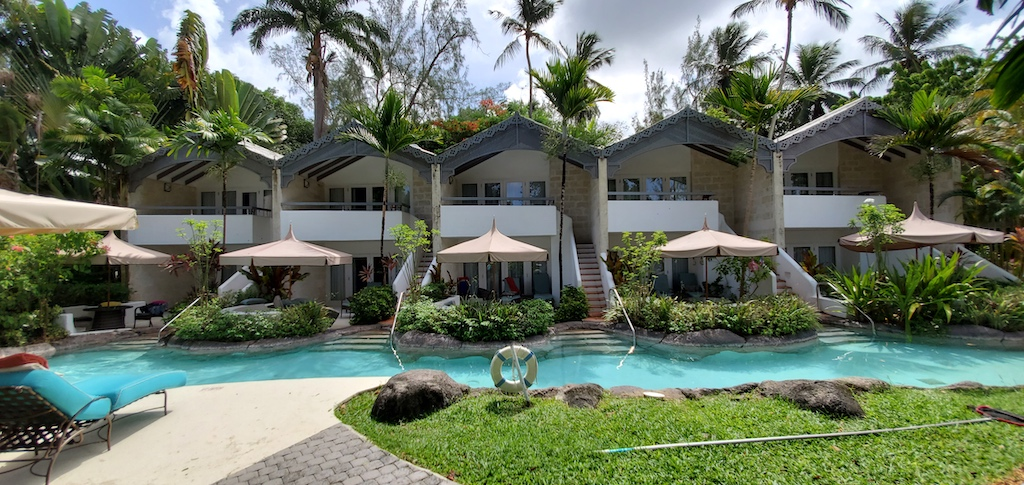 Colony Club By Elegant Hotels - Luxury Swim up rooms