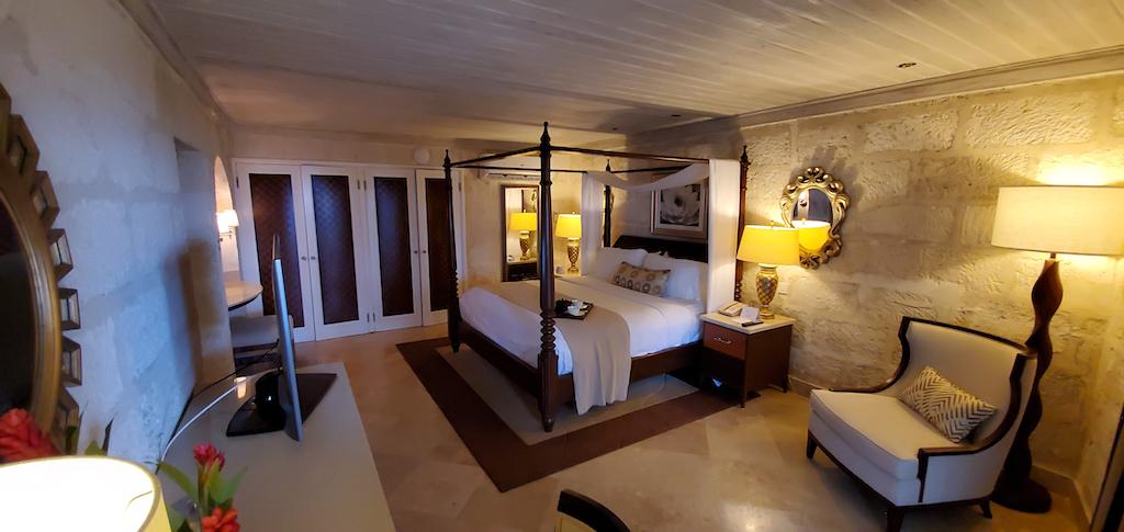 Colony Club By Elegant Hotels Room 142