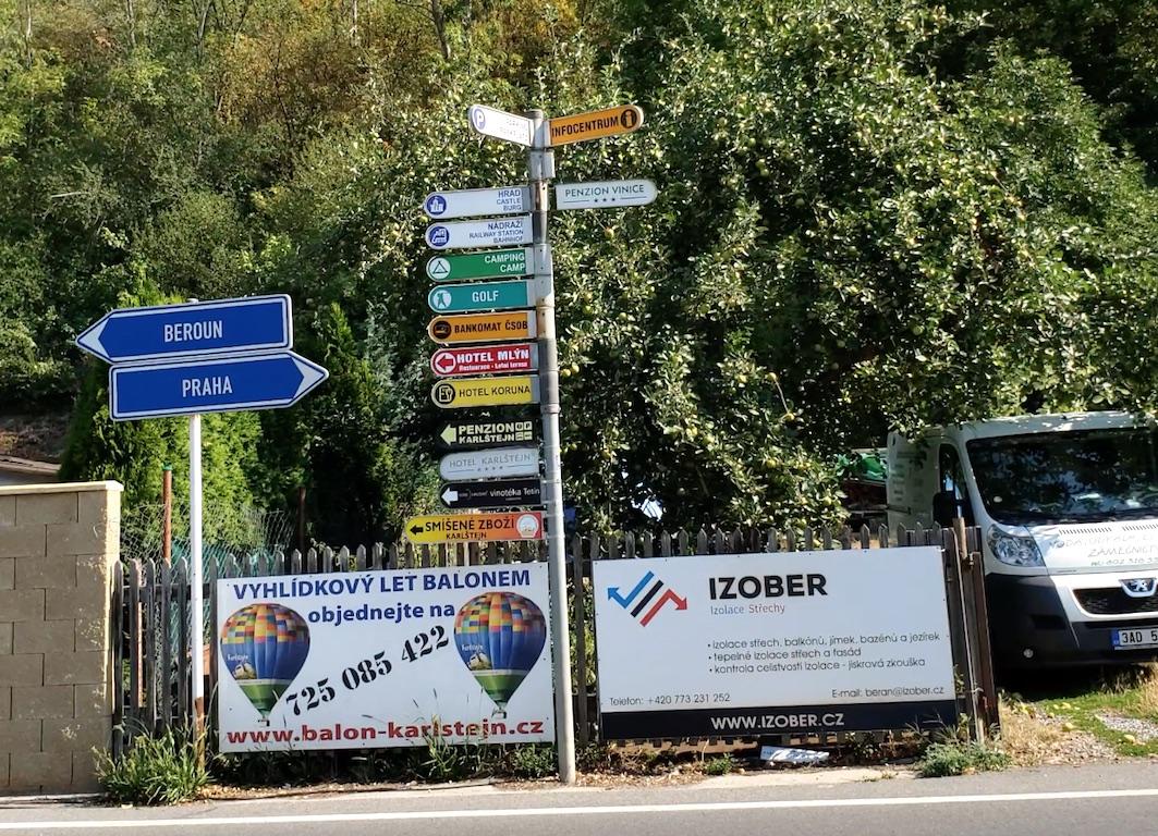 Karlštejn Castle - Signs