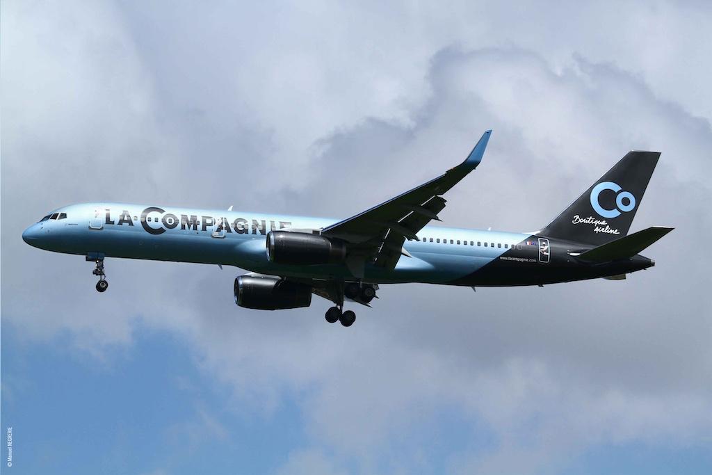 La Compagnie Boeing 757 Landing