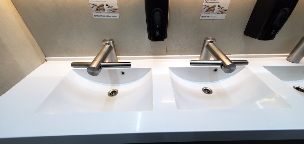 Airport Toilet Sinks