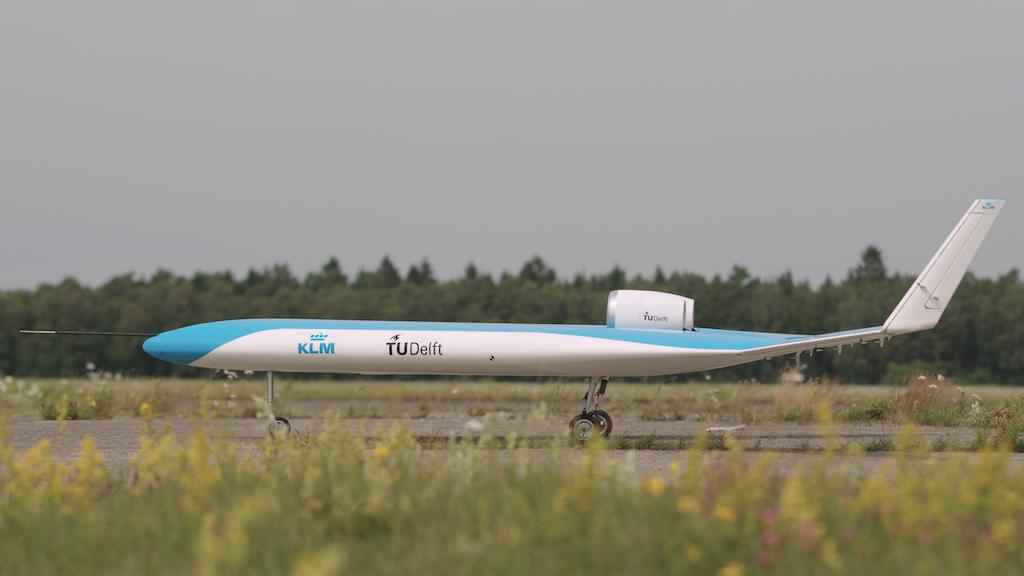 KLM TU Delft flying v-1 airplane