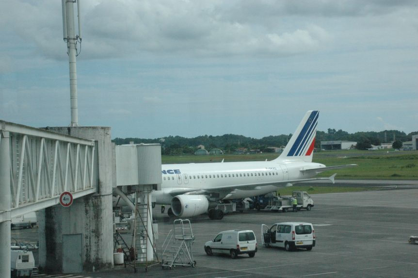 Air Francs (AF) Airbus A320 in Point-a-Pitre (PTP)