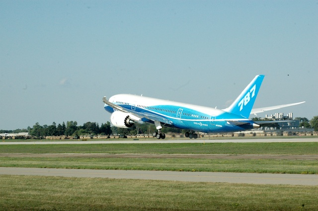 Boeing 787 Taking off from Oshkosh, WI at the Air Venture Oshkosh Airshow