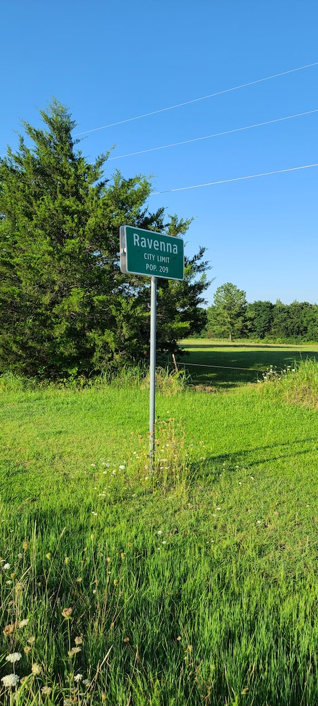 Pop 209 Ravenna, Texas