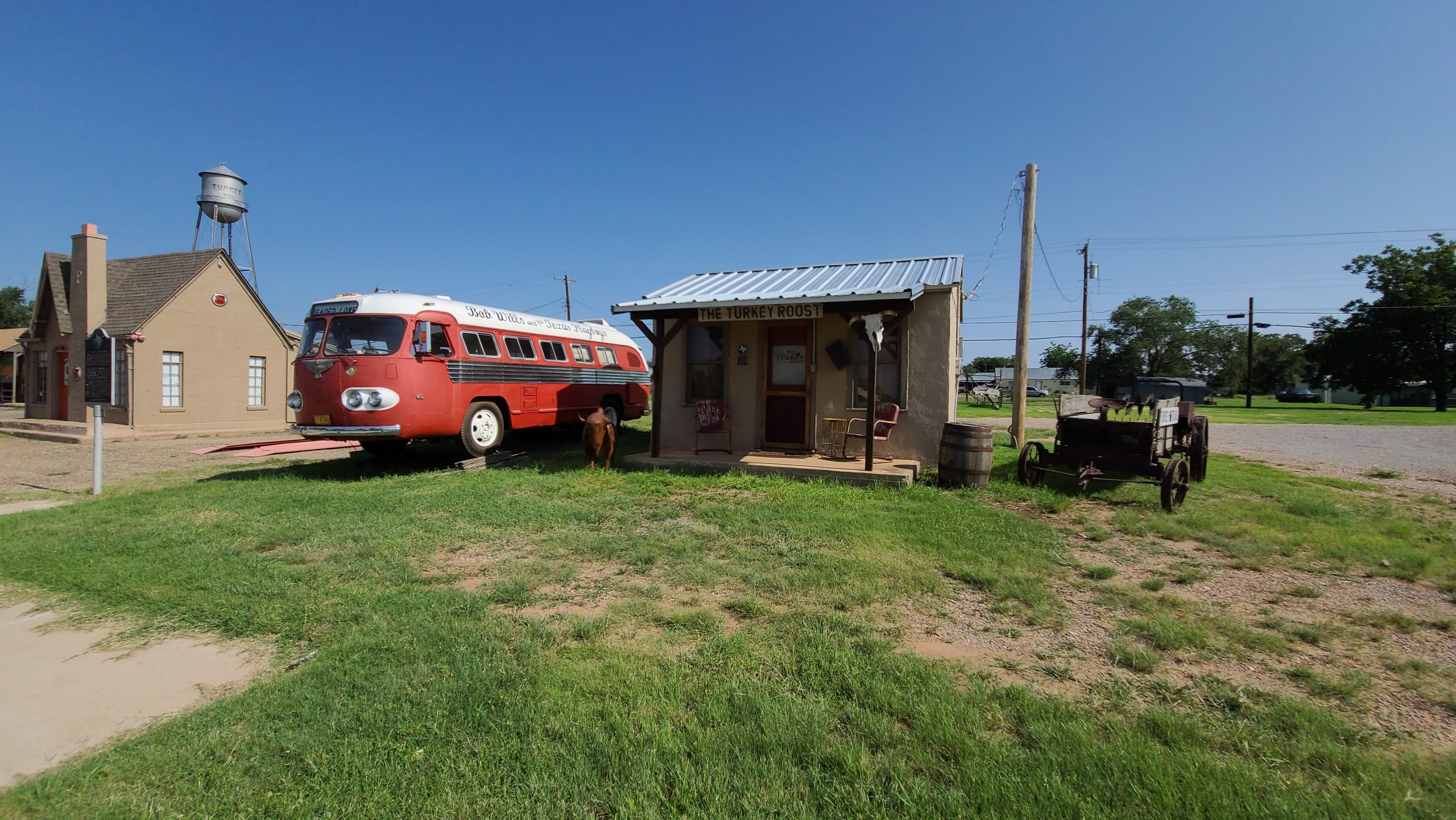 Bob Wills Tour Bus and The Turkey Roost