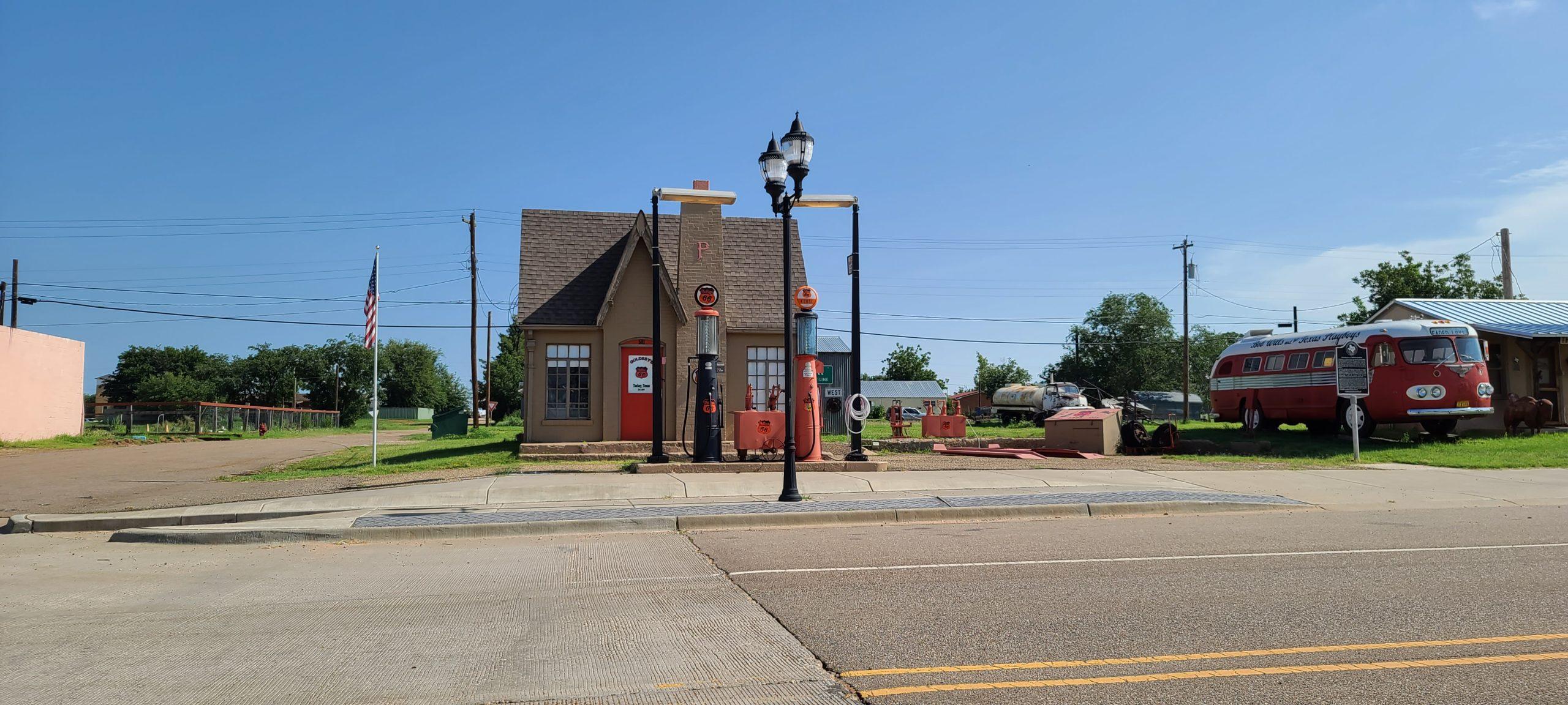 Phillips 66 Gas Station in Turkey, Texas
